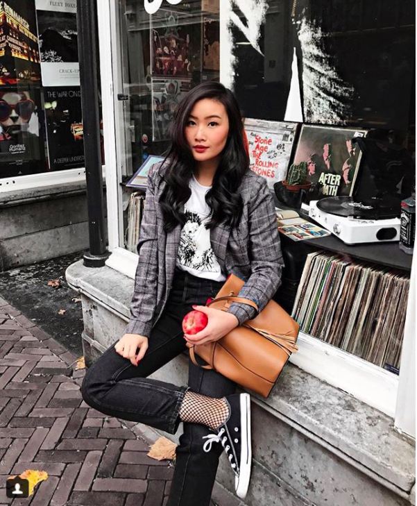 Blazer và jeans chính là combo được các quý cô châu Á ưu ái nhất tuần qua - Ảnh 19.