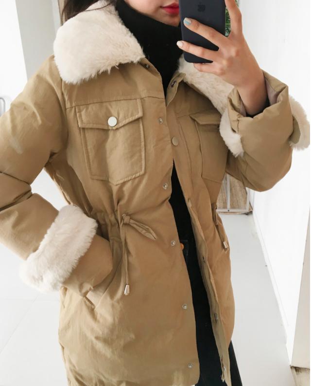 Đâu chỉ có mỗi áo phao, 3 mẫu áo khoác này cũng ấm áp và thời thượng chẳng kém - Ảnh 4.