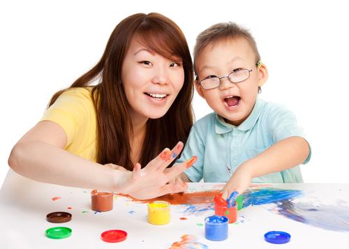Nói với con những câu dưới đây mỗi ngày, trẻ sẽ tự tin và hạnh phúc - Ảnh 2.