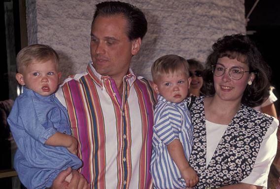 Cuộc đời cậu bé siêu quậy bị bắt cóc hơn 20 năm trước cùng dàn diễn viên trong phim giờ đây khác lắm - Ảnh 3.
