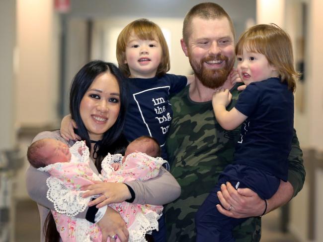 Sinh được 2 thiên thần nhỏ cực đáng yêu, bà mẹ lại tiếp tục gây sốc khi mang thai lần 2 - Ảnh 1.