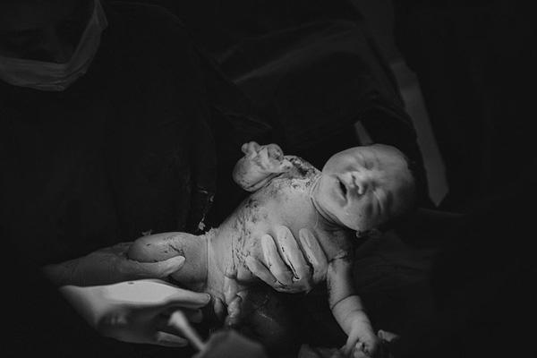 Những bộ ảnh vượt cạn đong đầy cảm xúc và chân thực đến từng centimet của mẹ Việt - Ảnh 19.