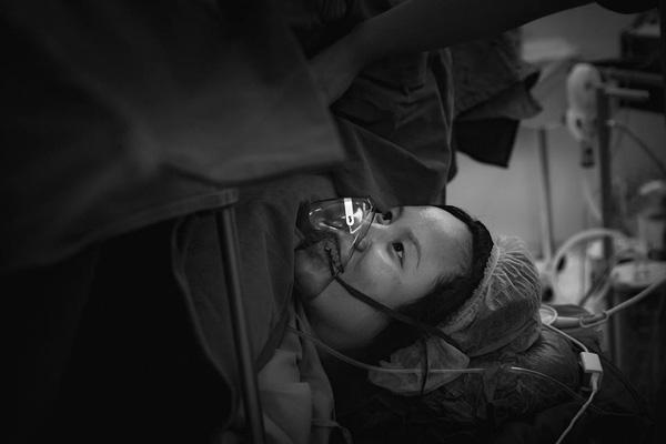 Những bộ ảnh vượt cạn đong đầy cảm xúc và chân thực đến từng centimet của mẹ Việt - Ảnh 21.