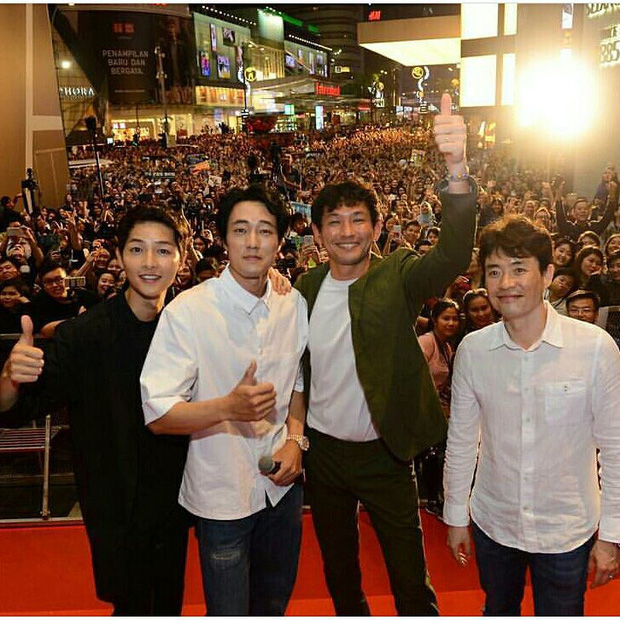 Sau tin lấy vợ, sức hút khủng khiếp của Song Joong Ki tại châu Á không thuyên giảm - Ảnh 2.