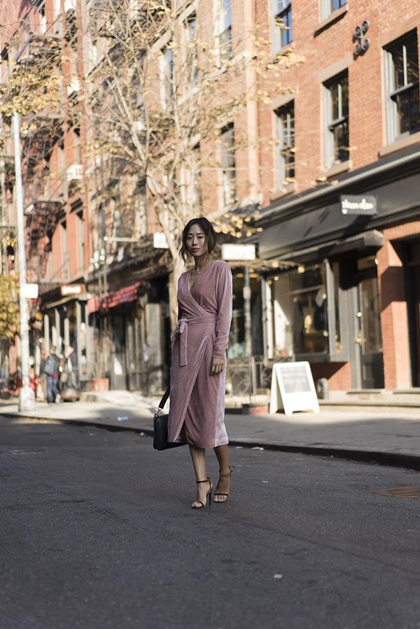 Tết này có trót tăng cân thì cũng chẳng lo lộ dáng với những thiết kế váy áo này - Ảnh 10.