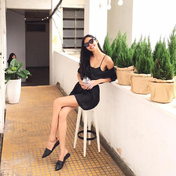 Đây là lý do các người đẹp Việt đang tạm cất giày cao gót vào một góc - Ảnh 15.
