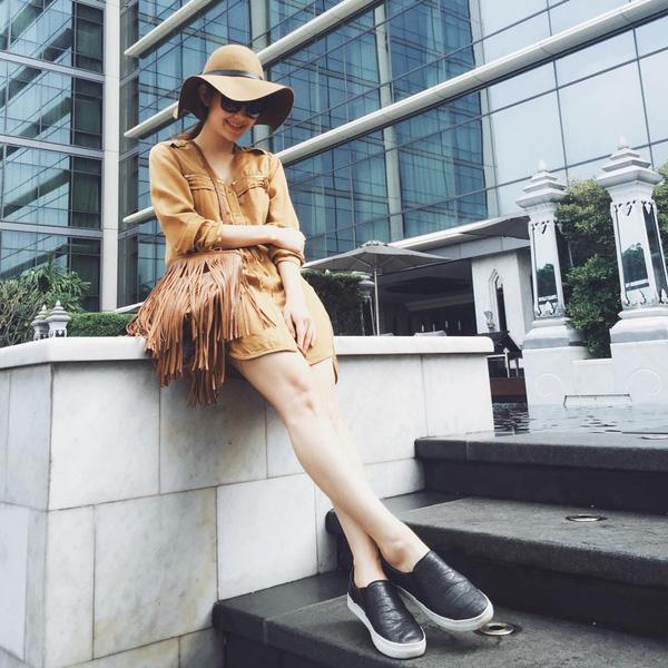 Đây là lý do các người đẹp Việt đang tạm cất giày cao gót vào một góc - Ảnh 19.