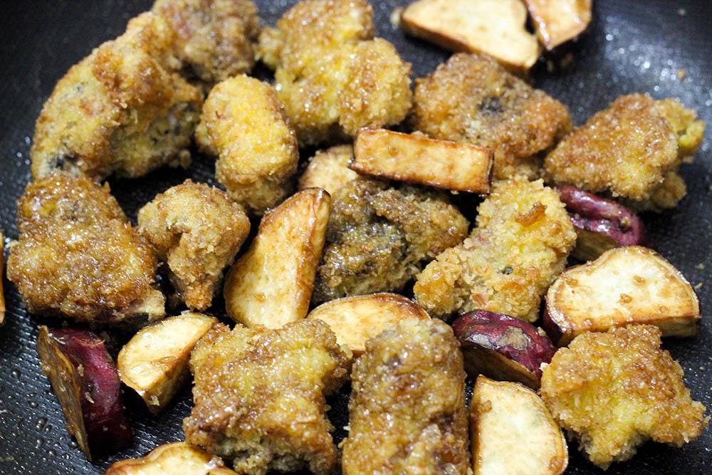Sườn chiên khoai lang - món ăn khuấy đảo đường phố thời gian qua ảnh 10