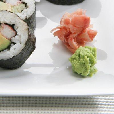 Nếu bạn là tín đồ của món sushi, hãy nhớ những điều này để vừa ăn ngon lại giảm được cân - Ảnh 2.