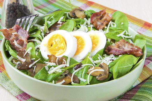 8 thực phẩm nếu không chú ý khi ăn uống lại có hại tim mạch nhiều hơn bạn tưởng - Ảnh 1.