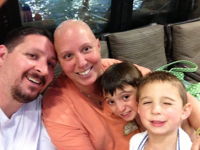 Phát hoảng khi nhận ra tàn nhang là dấu hiệu ung thư vú - Ảnh 2.