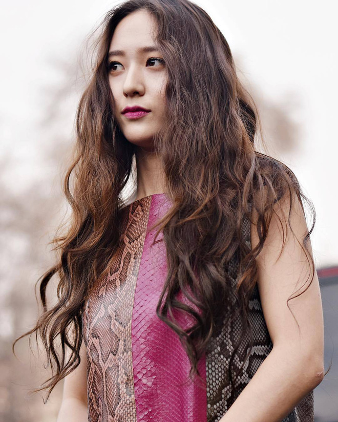 Nàng nào cắt tóc cũng xinh lên, do Krystal đen thôi, chứ đỏ thì quên đi - Ảnh 11.