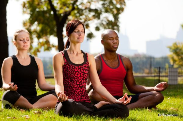 Căng thẳng kéo dài, hãy tập ngay những tư thế yoga này để bạn không còn mệt mỏi và luôn tươi tắn - Ảnh 7.