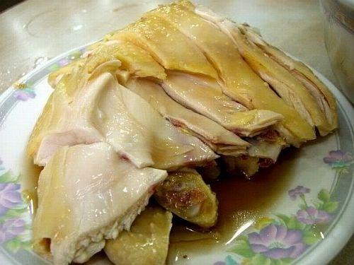 Vợ thiếu sữa cho con bú, chồng không hỏi han còn ăn hết bát canh, giành luôn hai miếng gà bảo để mai nấu cháo - Ảnh 2.