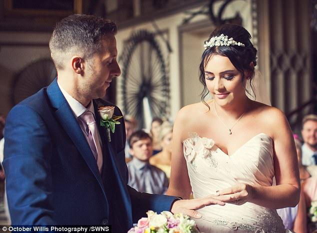 Chú rể bất ngờ liệt nửa người trước hôn lễ, 1 năm sau, cặp đôi cùng làm một việc khiến ai nấy ngỡ ngàng - Ảnh 7.