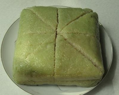 """Mẹ chồng sẽ """"lác mắt"""" nhìn bạn cắt bánh chưng, bánh tét mà không hề dính dao, nát bánh - Ảnh 3."""