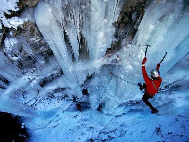 Những thác nước đóng băng đẹp hiếm thấy trên thế giới - Ảnh 12.