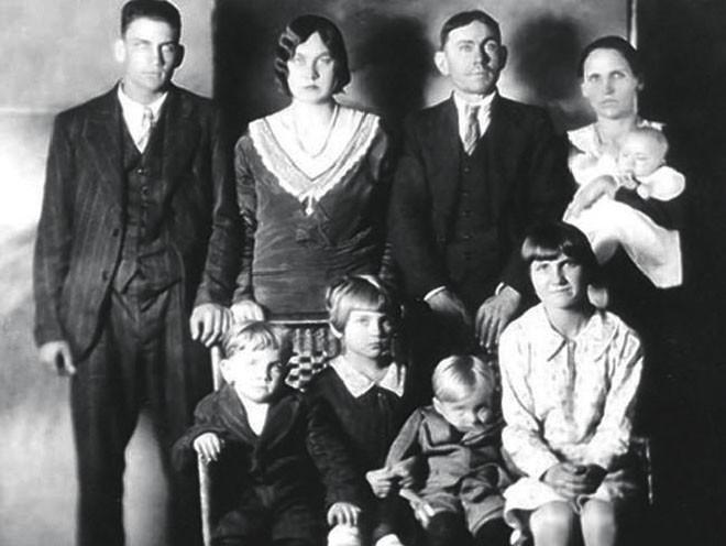 Vụ án đêm Giáng sinh: Cái chết bất thình lình của 7 mẹ con và những nghi vấn gần 90 năm không có lời giải đáp - Ảnh 1.