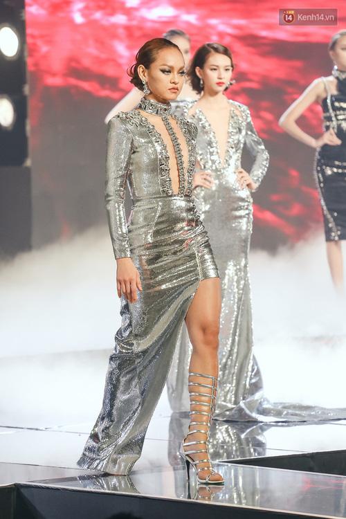 Chung kết The Face năm nay liệu HLV hay thí sinh có mắc lỗi trang phục như năm ngoái - Ảnh 7.