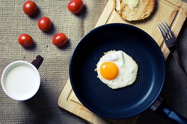 4 thói quen buổi sáng dễ khiến bạn chỉ có tăng cân chứ không giảm - Ảnh 4.