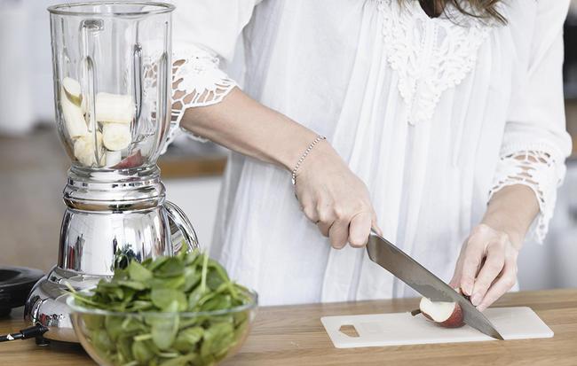 8 loại thực phẩm giúp cân bằng lượng đường huyết khi thêm vào sinh tố - Ảnh 1.