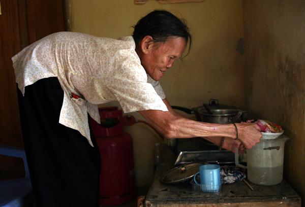 Cuộc sống côi cút của 10 cụ già trong trại phong đã bỏ hoang nhiều năm ở Hà Nội - Ảnh 7.
