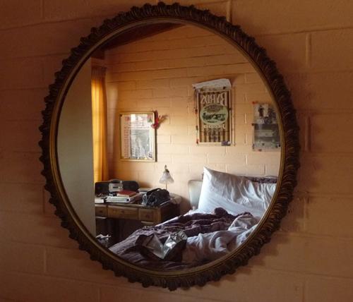 Muốn vợ chồng không lục đục, hãy xem lại phong thủy trong phòng ngủ - Ảnh 3.