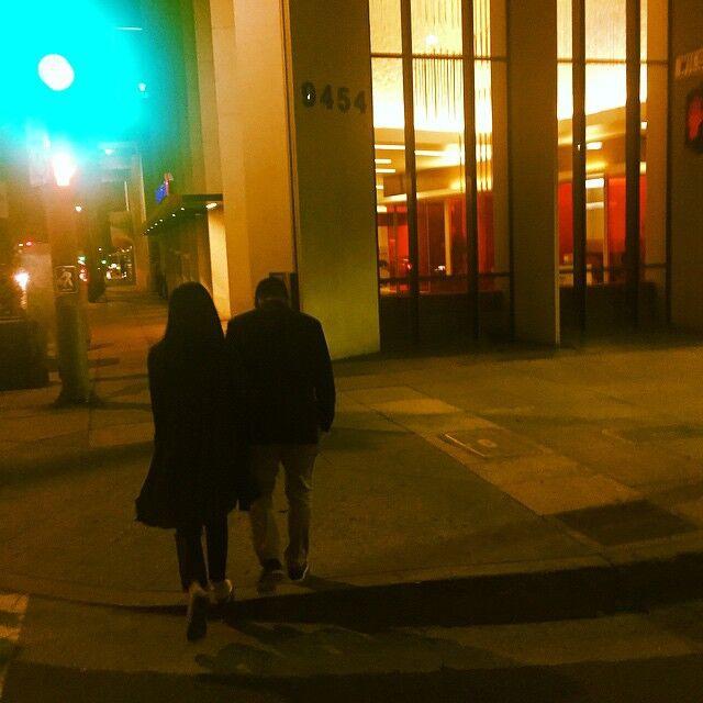 Triệu Vy khoe hình ảnh con gái chân dài nắm tay bố tình cảm - Ảnh 6.