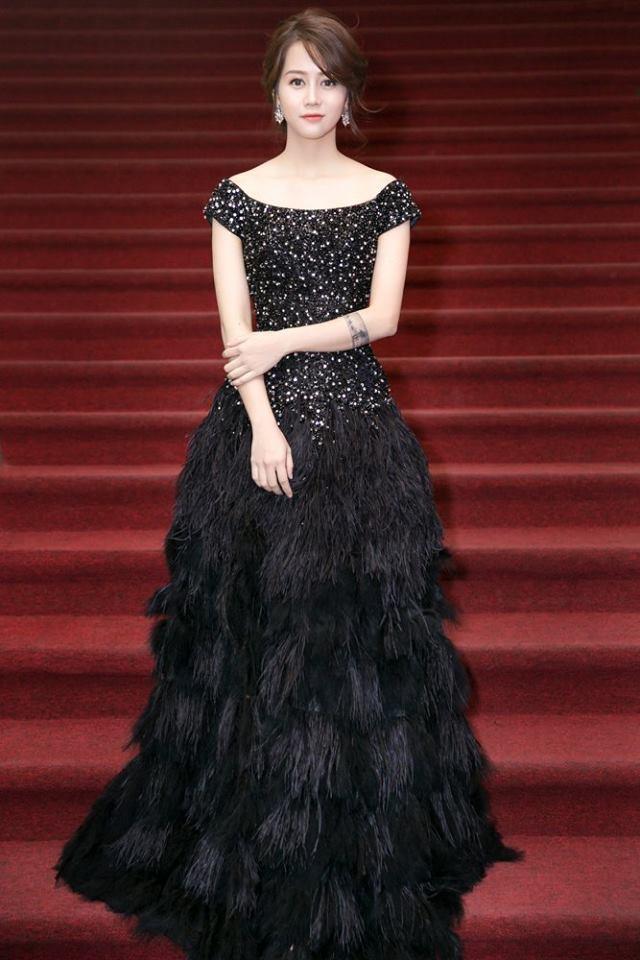 Vừa ồn ào chuyện dao kéo, Hoa hậu Đại dương lại đụng hàng váy áo với loạt người đẹp  - Ảnh 6.