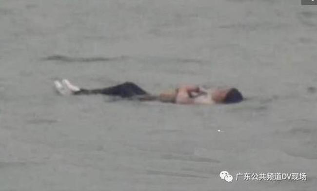 Bi hài người phụ nữ nhảy xuống sông tự tử nhưng không thành vì lý do bất ngờ - ảnh 2