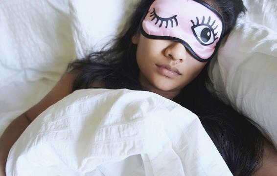 Các tư thế ngủ tốt nhất cho những người ngực to, đau lưng, hay ngáy hoặc bị ợ nóng - Ảnh 4.