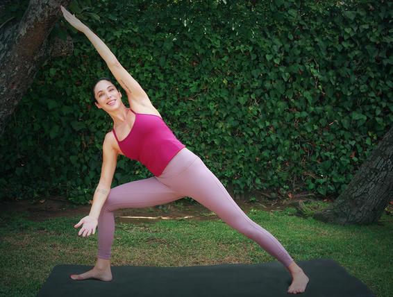 5 tư thế yoga tăng cường cơ sàn chậu không kém Kegel sẽ khiến bạn rèn luyện tốt hơn - Ảnh 3.