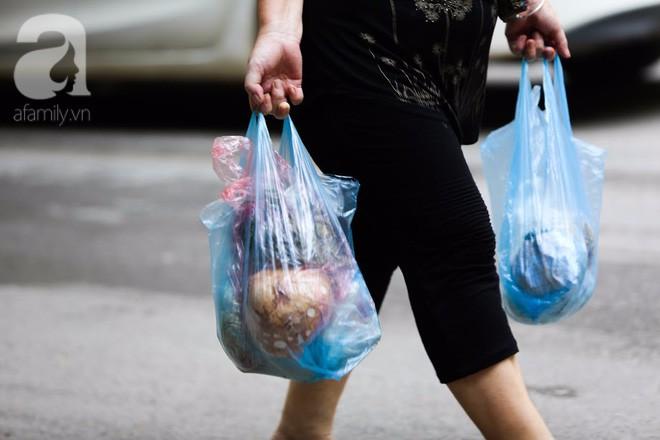 Nghe câu chuyện này, có lẽ các bà nội trợ Việt sẽ thay đổi tư duy túi nylon  - Ảnh 3.