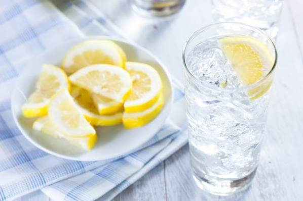 Không ngờ uống nước đá làm tăng vòng eo - Ảnh 2