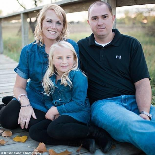 Mẹ và ông ngoại đều chết vì ung thư, cả gia đình đồng loạt cắt bỏ dạ dày để tránh lời nguyền - Ảnh 2.
