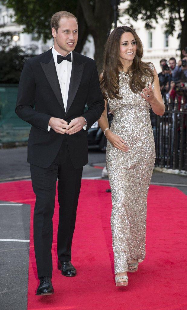Có cả tủ váy dạ hội đẹp thế này, chẳng trách công nương Kate luôn lộng lẫy - Ảnh 7.