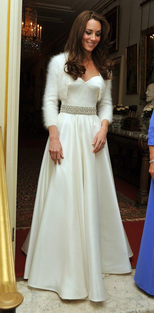 Có cả tủ váy dạ hội đẹp thế này, chẳng trách công nương Kate luôn lộng lẫy - Ảnh 8.