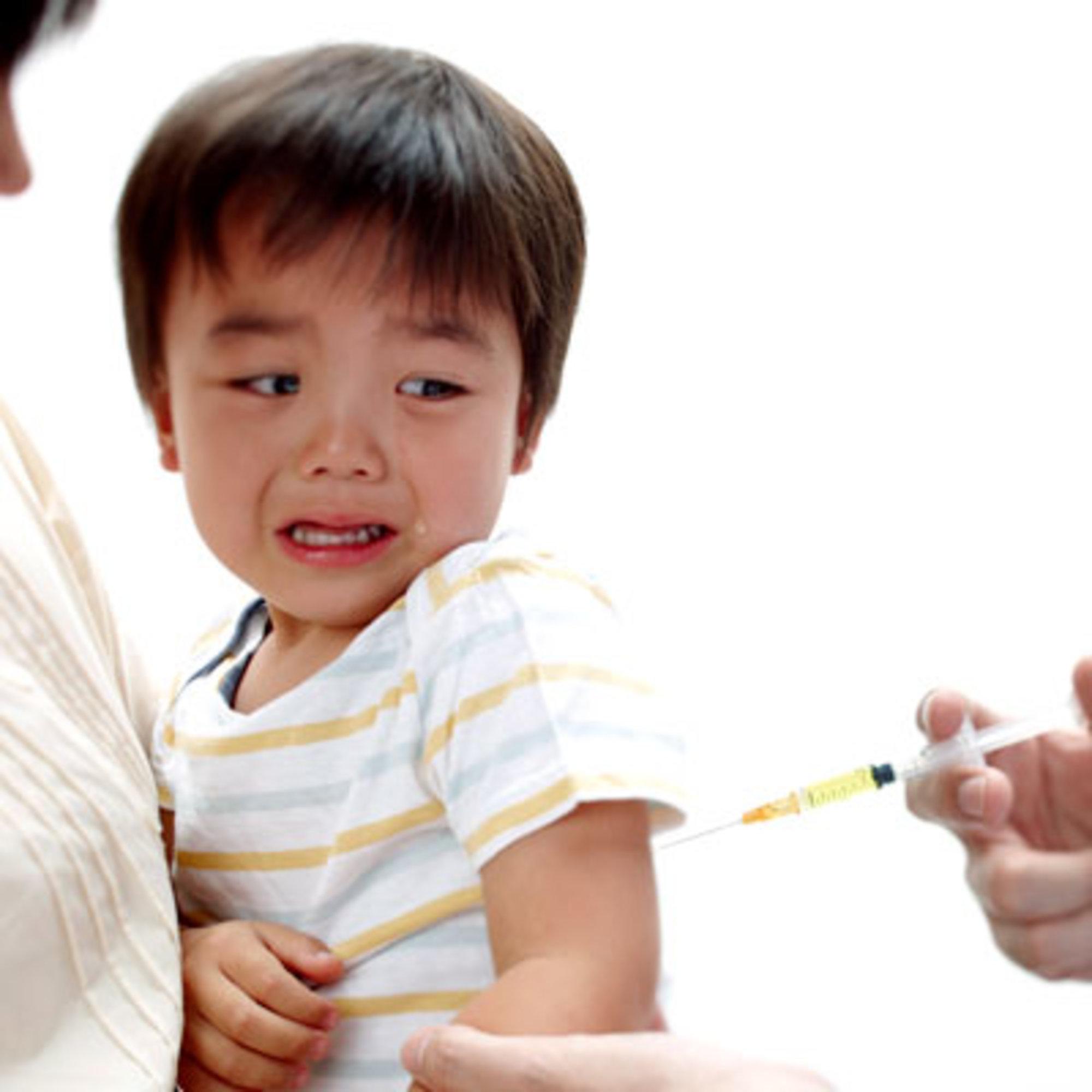 Bác sĩ nói gì về phương pháp chữa chó dại cắn không cần tiêm vắc xin