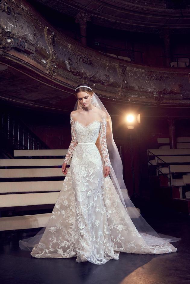 Nhìn lại 4 lần khoác lên mình bộ váy cưới và dự đoán chiếc váy mà Song Hye Kyo sẽ chọn mặc ngày 31 này  - Ảnh 8.