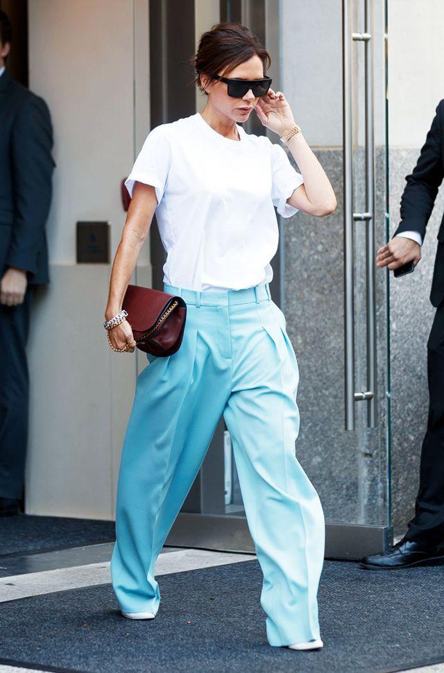Victoria Beckhan - cao thủ diện áo phông trắng chất lừ mọi lúc mọi nơi - Ảnh 6.