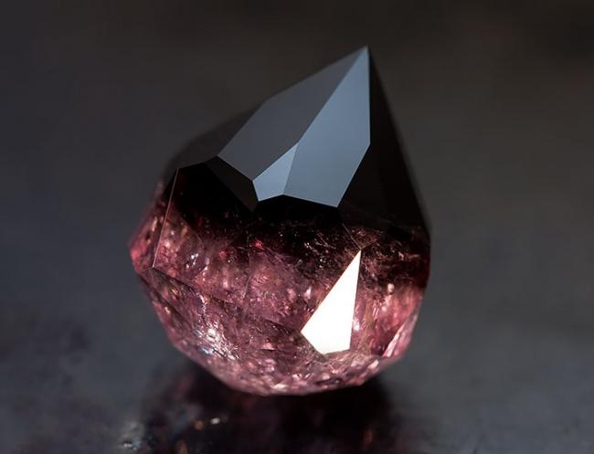 Những viên đá đẹp đến lạ lùng như chứa cả vũ trụ bên trong - Ảnh 10.