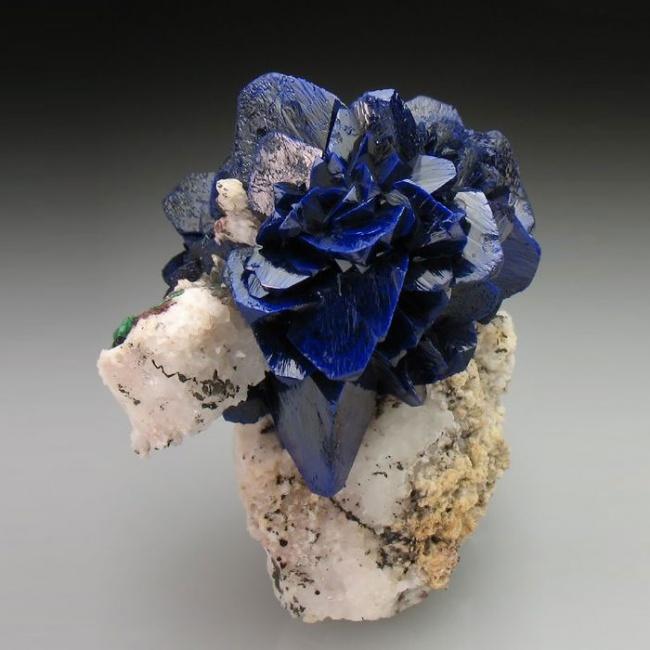 Những viên đá đẹp đến lạ lùng như chứa cả vũ trụ bên trong - Ảnh 14.