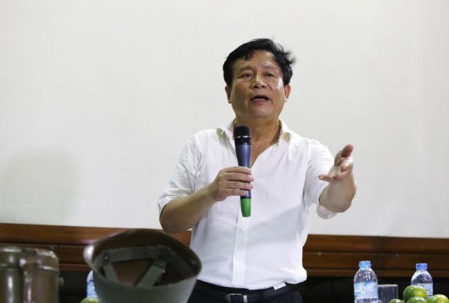 Cả xã hội đồng cảm với cha con Quốc Tuấn, riêng ông chủ Hãng phim Truyện VN mỉa mai là diễn kịch - Ảnh 3.