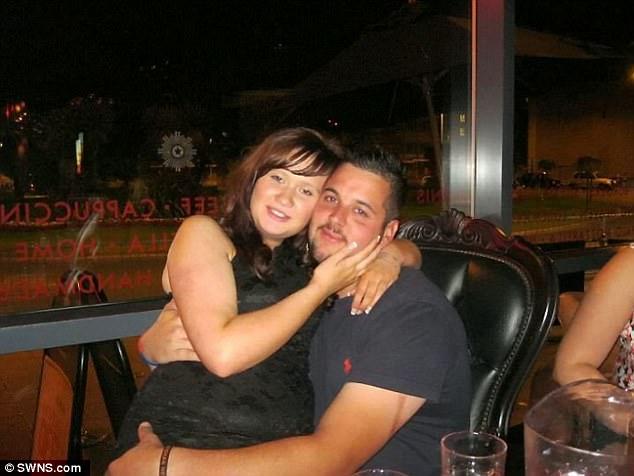 '. Chồng qua đời, 8 tháng sau vợ mới phát hiện ra điều bất ngờ .'