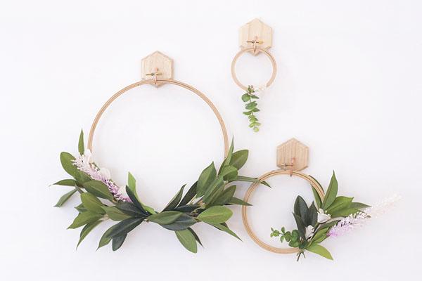 4 cách tự làm vòng hoa treo tường trang trí nhà thêm ấn tượng - Ảnh 9.