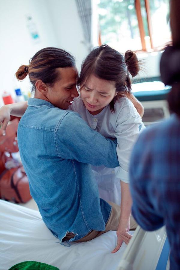 Những bộ ảnh vượt cạn đong đầy cảm xúc và chân thực đến từng centimet của mẹ Việt - Ảnh 4.