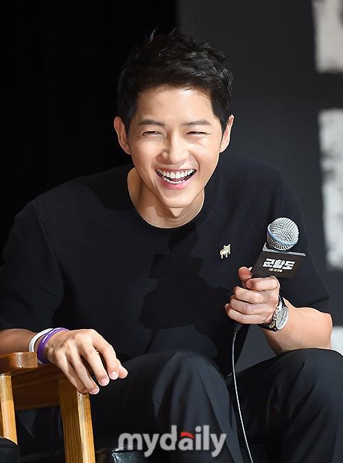 Đáng yêu thế này, bảo sao So Ji Sub - Song Joong Ki không làm fan điêu đứng - Ảnh 6.