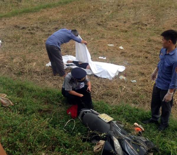Nam Định: Thương tâm cháu bé 10 tuổi và 2 người  phụ nữ tử vong sau khi bi tàu đâm trúng - Ảnh 1.