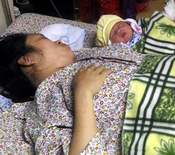 Hà Nội: Mổ cấp cứu, cứu sống mẹ con sản phụ bị vỡ tử cung - Ảnh 1.