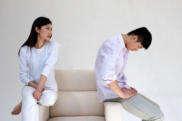 Phát điên vì những lần chồng tỉnh lại sau tai nạn nhưng chỉ hỏi đúng một câu - Ảnh 1.
